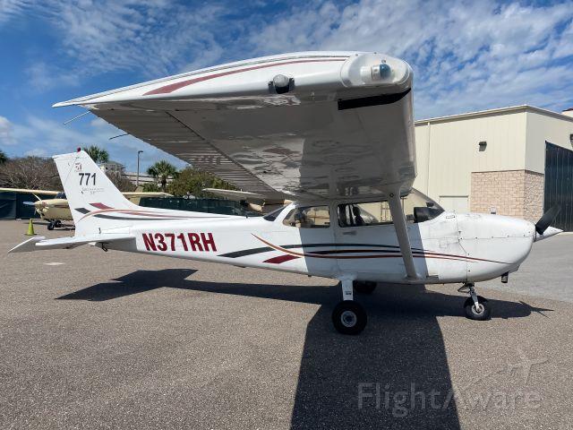 Cessna Skyhawk (N371RH)