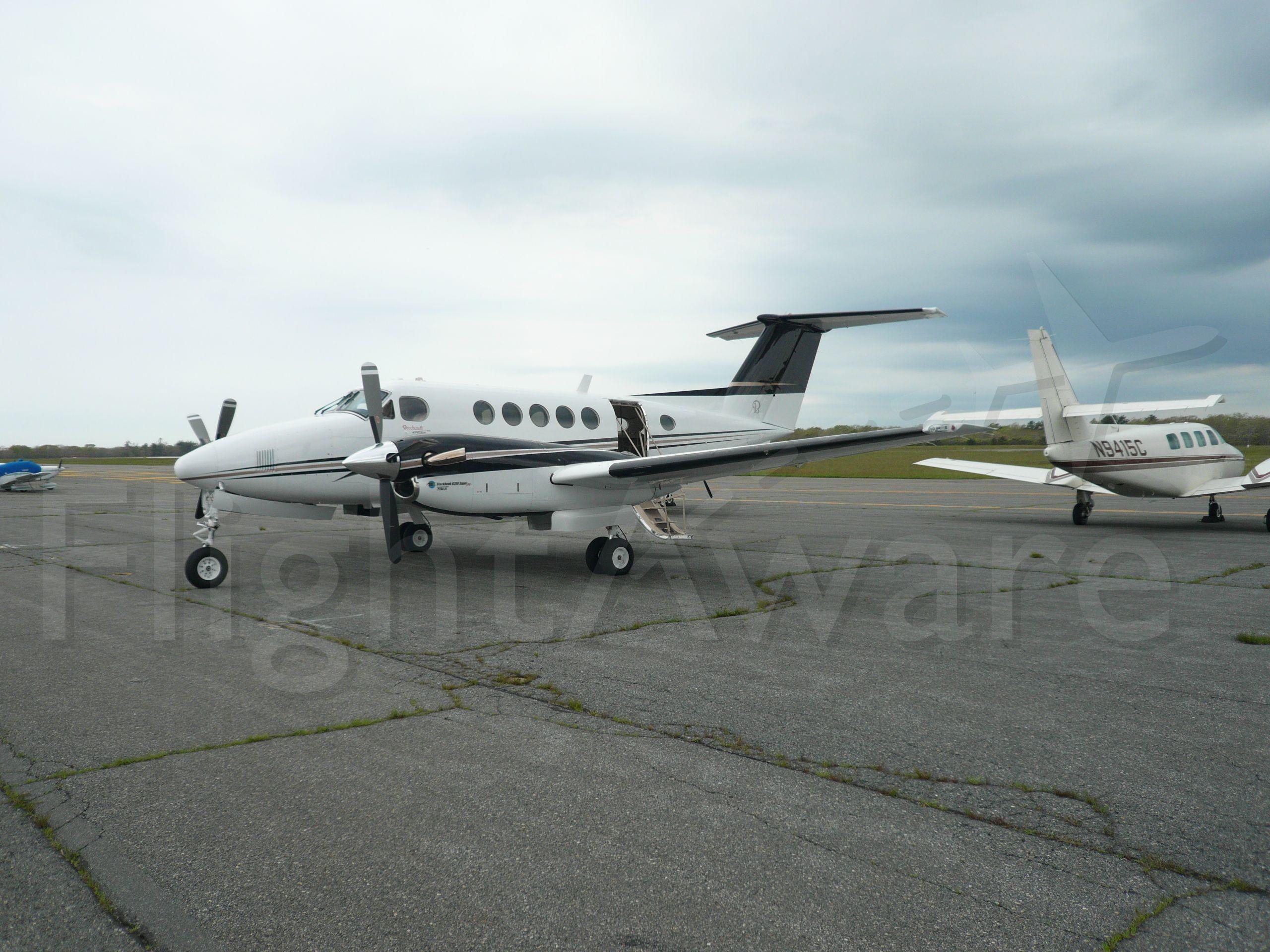 Beechcraft Super King Air 200 —