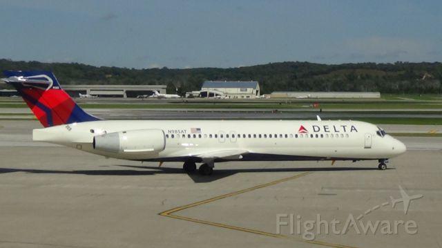 Boeing 717-200 (N985AT) - Delta 999 departing to Minneapolis at 3:39 P.M.    Taken September 10, 2015.