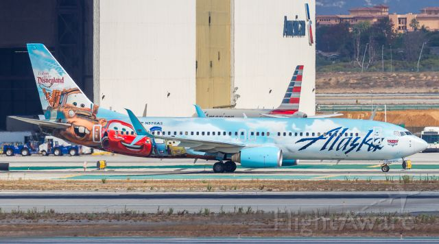 Boeing 737-800 (N570AS)