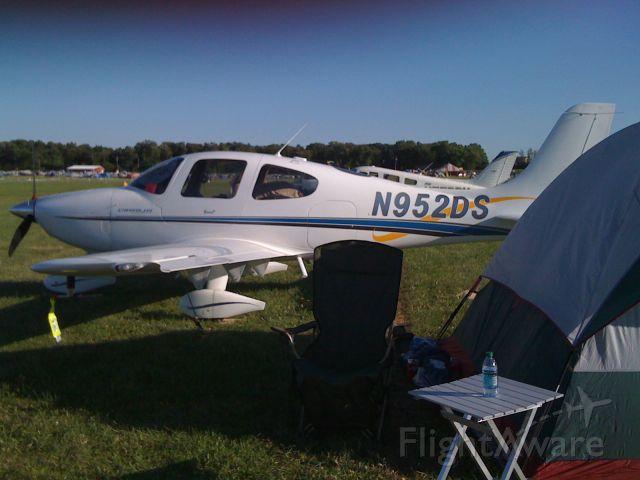 Cirrus SR-20 (N952DS) - OSH 2010
