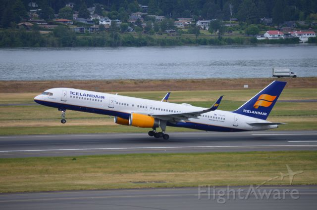 """Boeing 757-200 (TF-FII) - """"Eyjafjallajökull"""" operating as ICE664 departing on 28R for Reykjavik-Keflavik (KEF)."""