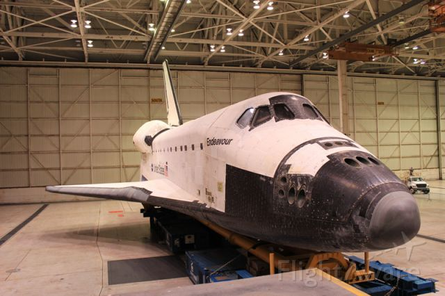 — — - Endeavour in storage at LAX until its transport to the California Science Museum in mid October.