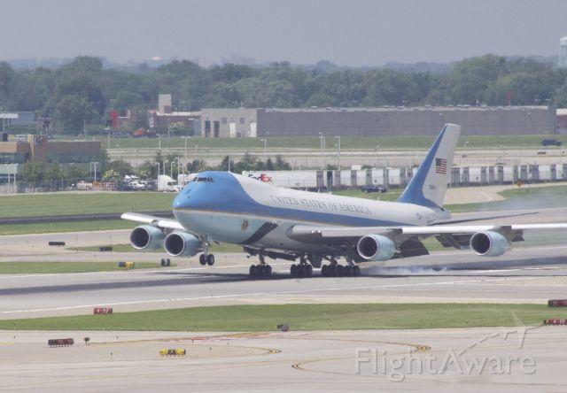 Boeing 747-200 (N28000) - Air Force One, landing 12R at KMSP.
