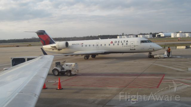 Canadair Regional Jet CRJ-200 (N8623A)