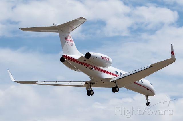 Gulfstream Aerospace Gulfstream V (N126HR) - Seminole Hard Rock G550 landing in BOI. This is what 45M can get you.