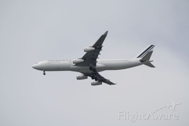 Airbus A340-300 (F-GLZP) - The big ones were coming in right over Boeing King County.  I am standing in the parking lot of the Boeing Museum of Flight -  I really like the museum!