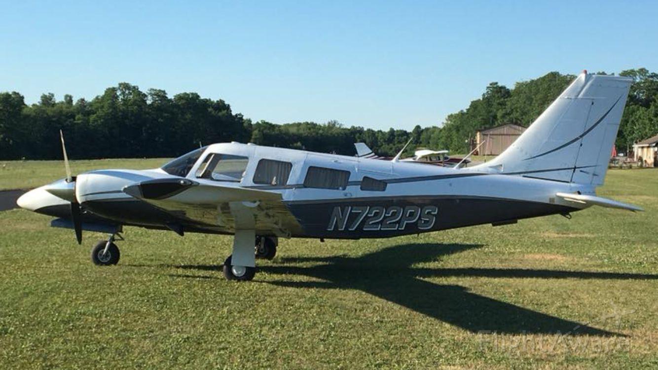 Piper Seneca (N722PS)