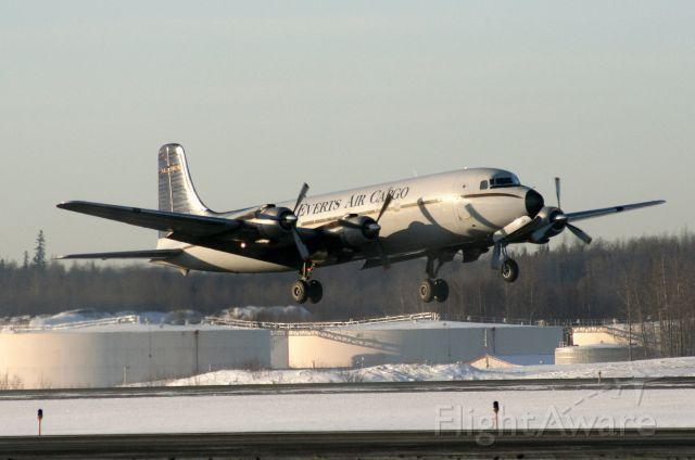 Douglas DC-6 (N400UA) - Off Rwy 32, 02Mar09