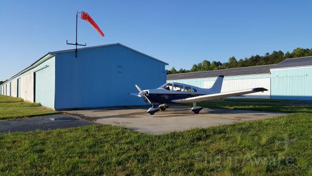 Piper Cherokee Arrow (N44621)