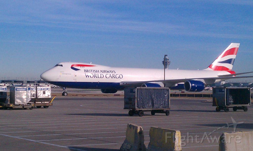— — - British Airways 747-800