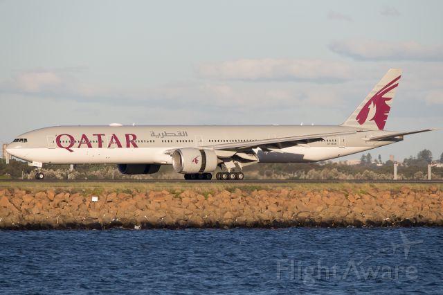 Boeing 777-200 (A7-BAE)