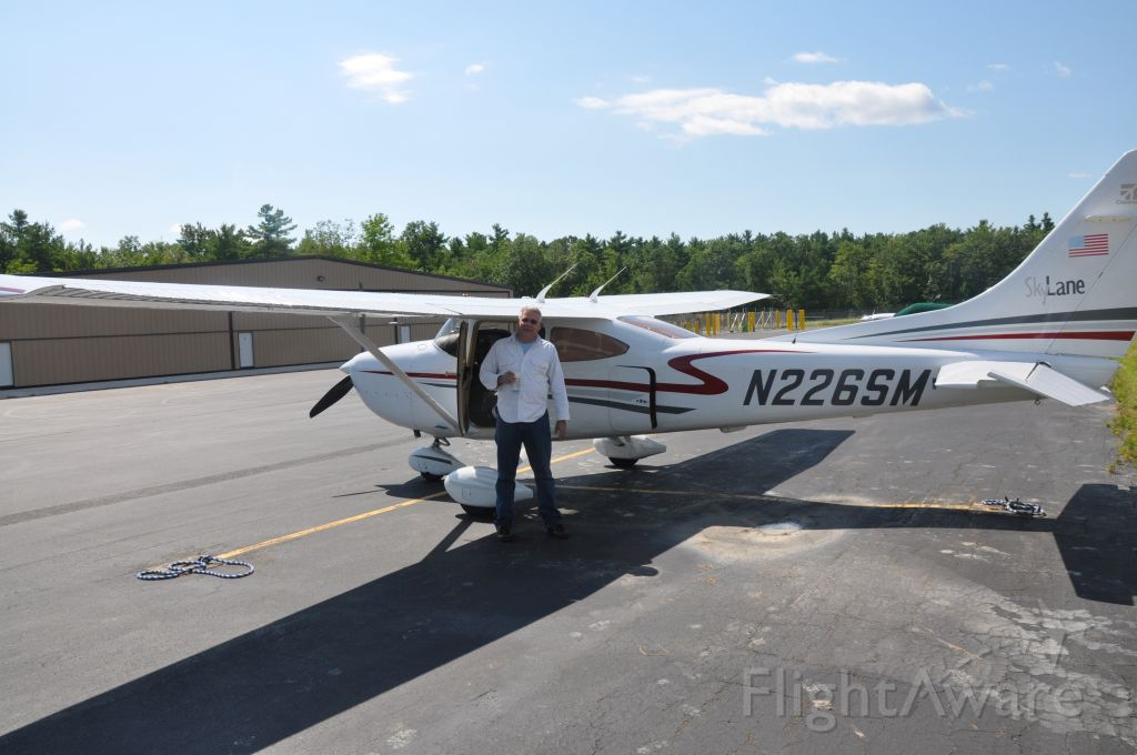 Cessna Skylane (N226SM)