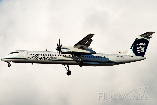 de Havilland Dash 8-400 (N436QX) - Arriving from Salt Lake as QX2692