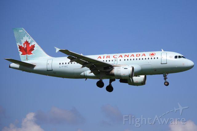 Airbus A319 (C-FYKC)