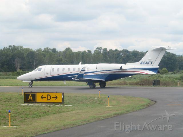 Learjet 45 (N441FX) - Take off runway 05.