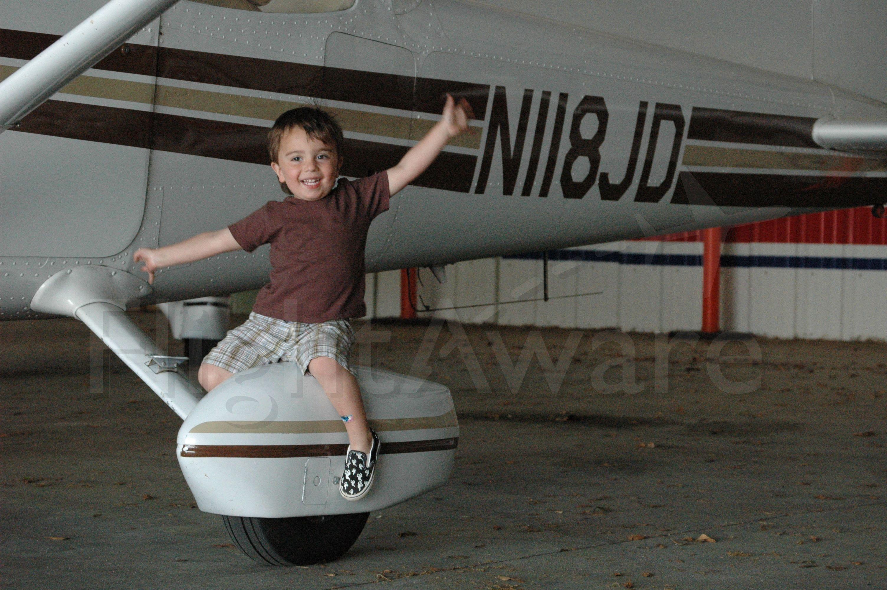 Cessna Skyhawk (N118JD) - C172