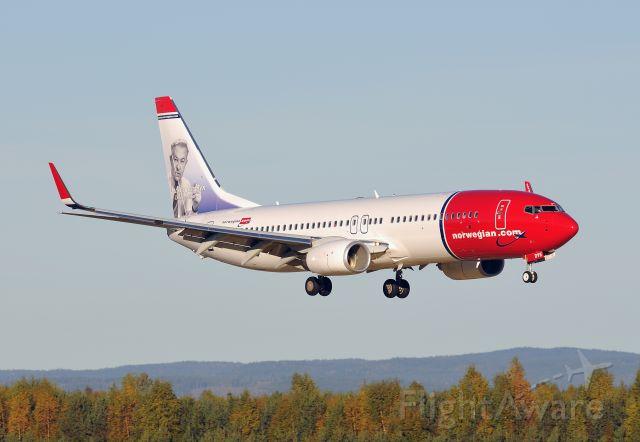 Boeing 737-800 (LN-DYE) - Norwegian landing at Oslo Airport