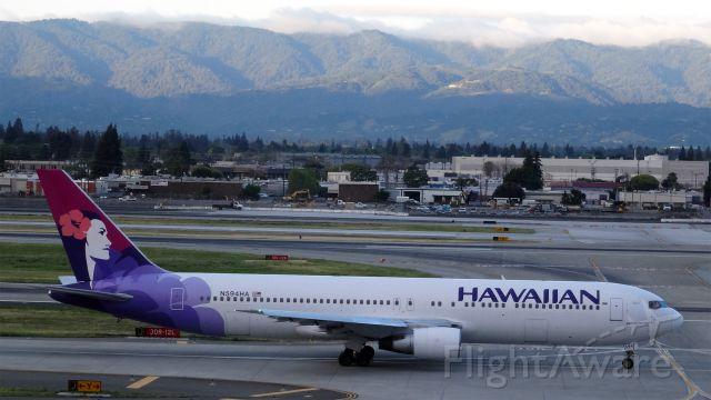 BOEING 767-300 (N594HA) - N594HA Hawaiian Airlines Boeing 767-300 - cn 23275br /First Flight: Oct 1986br /Age: 28.5 Yearsbr /08-Apr-2015 B763/L San Jose Intl (KSJC) Kahului (PHOG / OGG) 07:29 PDT 09:27 HST 4:58br /Distance Direct: 3,781 km    Planned: 3,865 km    Flown: 4,014 km