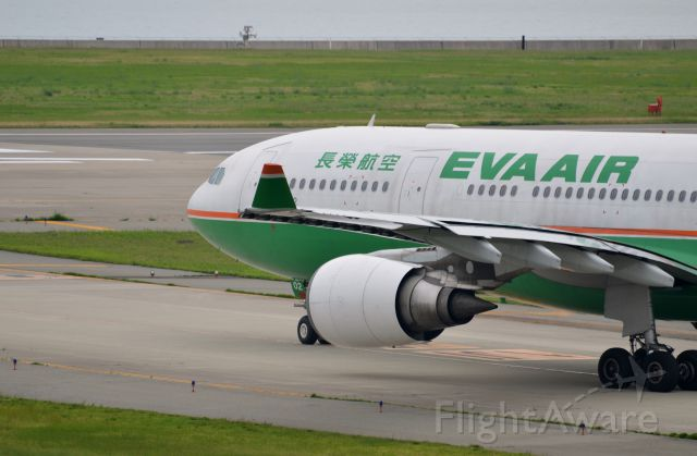 Airbus A330-200 (B-16302) - Airline: EVA Airways (BR/EVA); Airport: Kansai International Airport (KIX/RJBB); Camera: Nikon D7000; Date: 4 July 2012