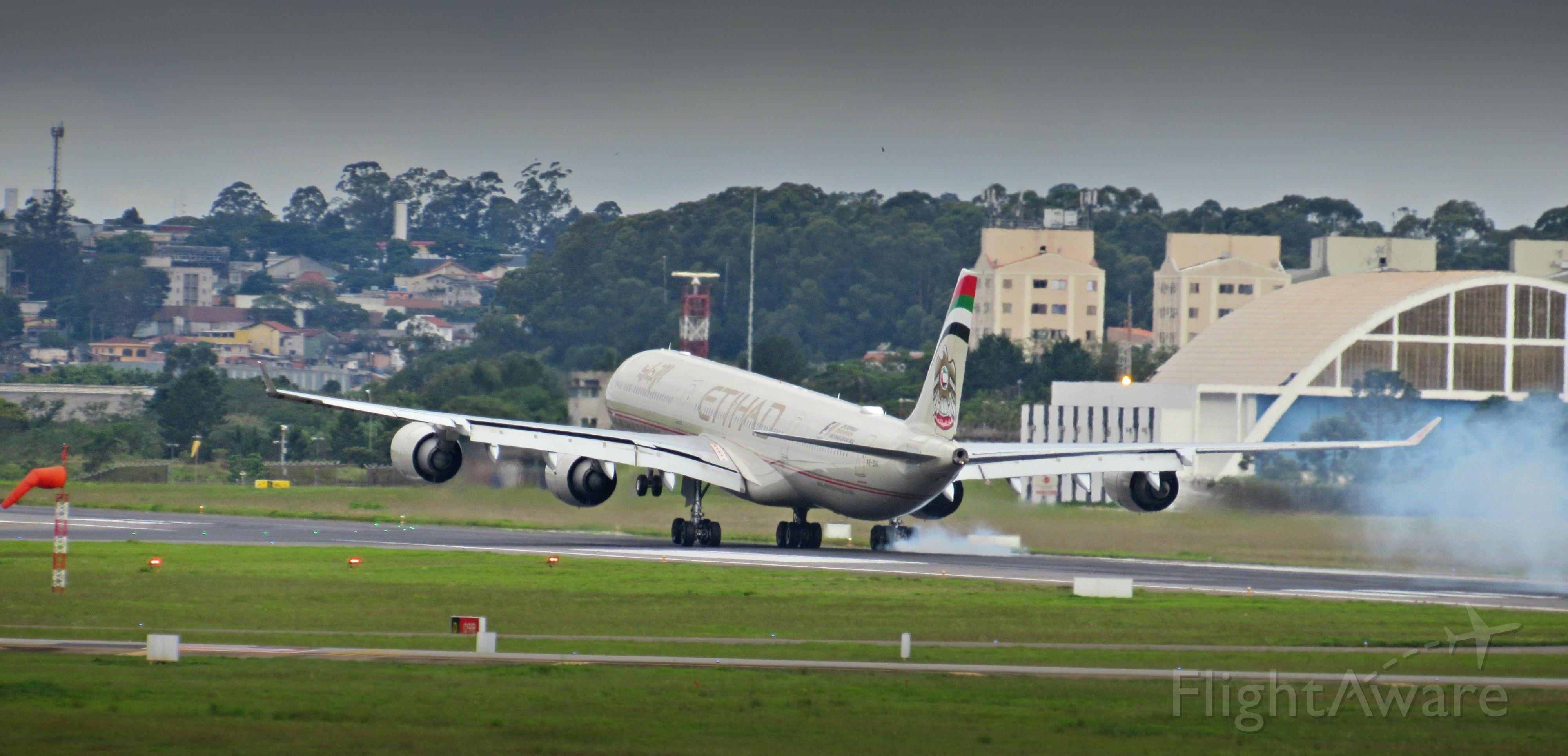 Airbus A340-600 (A6-EHI)