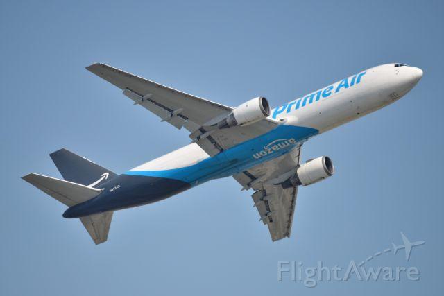 BOEING 767-300 (N313AZ) - 07-06-20