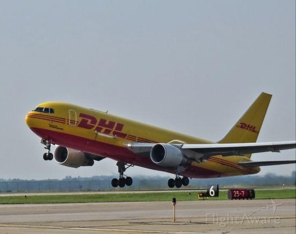 BOEING 767-200 (N653GT)