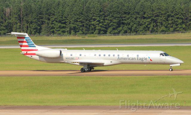 Embraer ERJ-145 (N902BC)