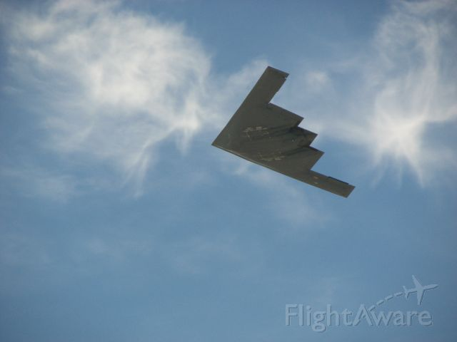 — — - B2 Flyover  Beaufort Airshow 07