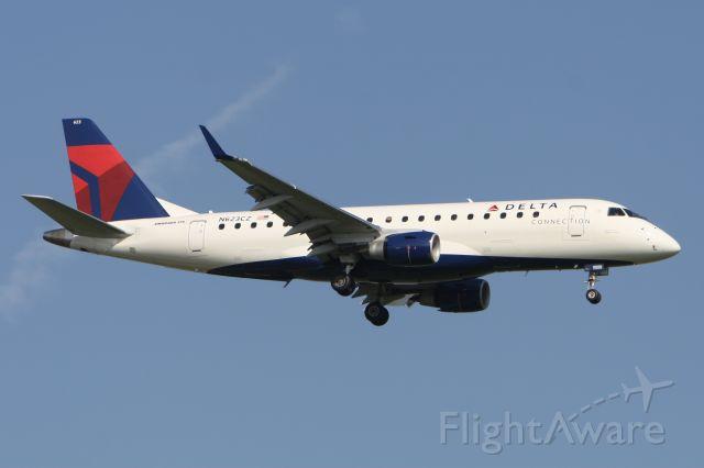 Embraer 175 (N623CZ) - June 25, 2010 - arrived Detroit