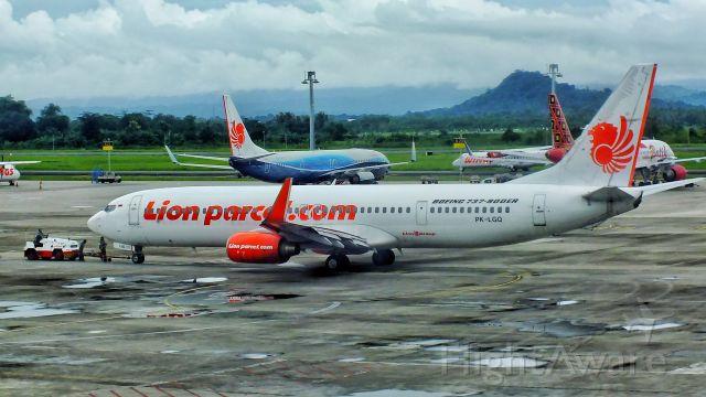 Boeing 737-900 (PK-LGO)