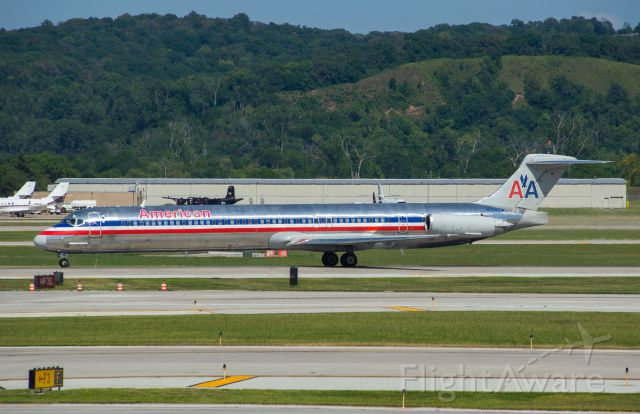 McDonnell Douglas MD-83 (N866TW) - American 1617 departs Omaha's Runway 32L for DFW at 3:48 PM.  This was the last American MD83 I ever got to see.  What a beauty!  Photo taken August 6, 2019 with Nikon D3200 at 240mm.