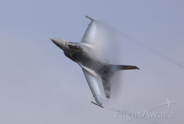 Lockheed F-16 Fighting Falcon — - 2018 Valiant Air Command Air Show