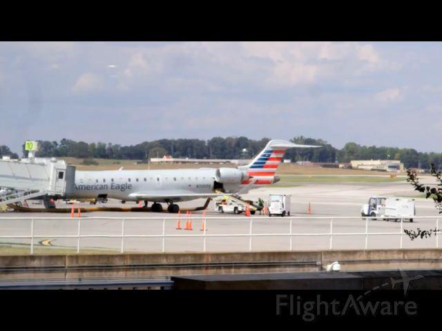 Canadair Regional Jet CRJ-700 (N705PS)