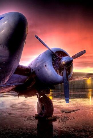 Beechcraft 18 (N103AF)