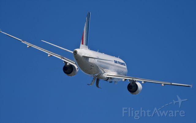 Airbus A320 (F-GKXG) - airbus A320