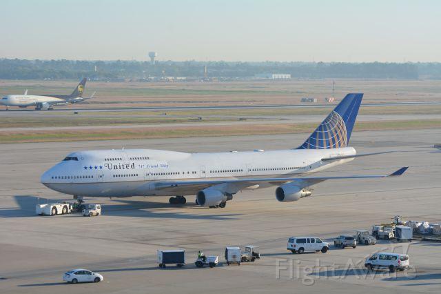 Boeing 747-200 (N118UA) - Employee 747 Farewell flight 10/18/2017