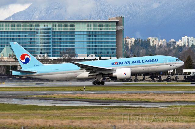 Boeing 777-200 (HL8005)