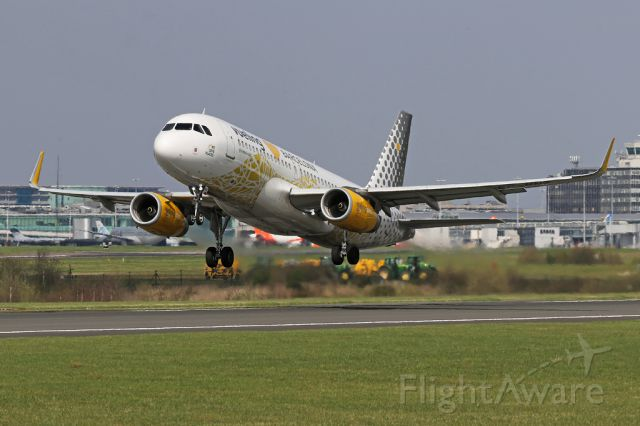 """Airbus A320 (EC-MNZ) - VLG8749 departs to Barcelona, operated by the """"Vueling loves Barcelona"""" aircraft, EC-MNZ."""