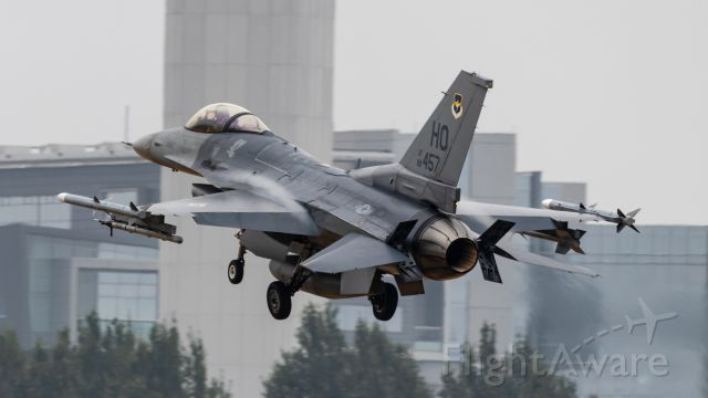 Lockheed F-16 Fighting Falcon (88-0457)