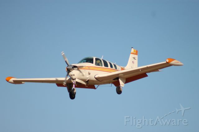 Beechcraft Bonanza (36) (N6657T) - N6657T