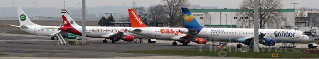 Airbus A321 (D-AIAA) - Berlin-Schönefeld Ramp 2