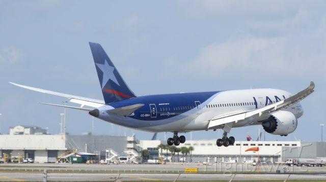 Boeing 787-8 (CC-BBA)