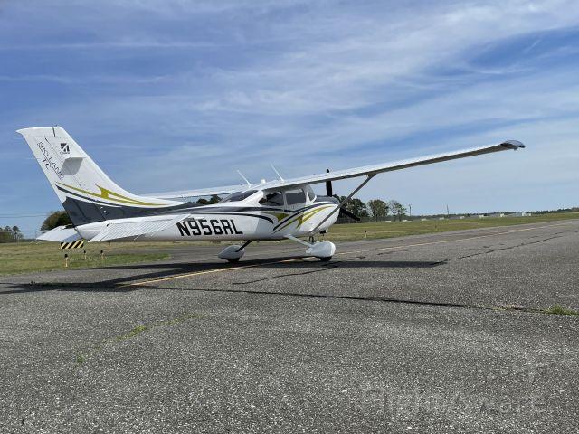 CESSNA T182 Turbo Skylane (N956RL)