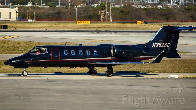 Learjet 31 (N351AC)