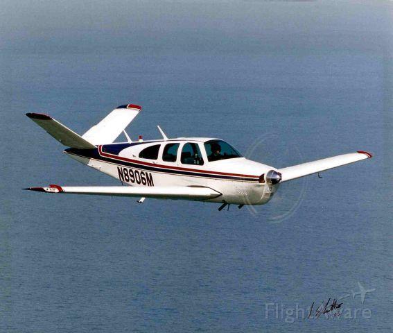 Beechcraft 35 Bonanza (N8906M)