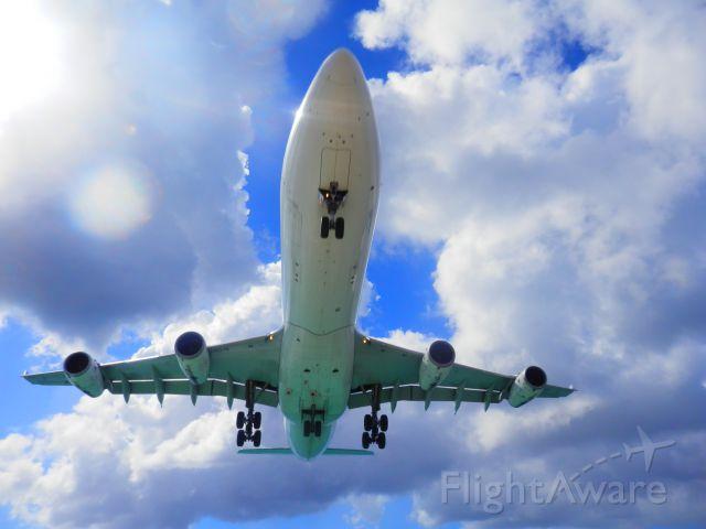 — — - Air France