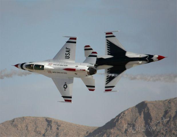 "Lockheed F-16 Fighting Falcon — - Thunderbirds play chicken at ""Aviation Nation 2012"""