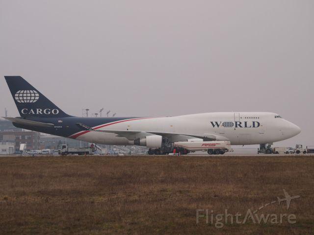 Boeing 747-400 (N742WA) - World Airways Cargo for a short stop in LEJ