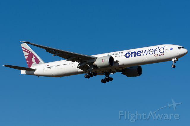 BOEING 777-300 (A7-BAB)
